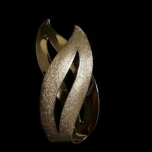 Sarah Coventry flame brooch